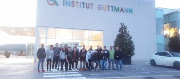 """<span lang =""""ca"""">Alumnes dels cicles GM i GS d' Elèctrics visiten les intal·lacions de la fundació GUTTMANN, a Can Ruti</span>"""
