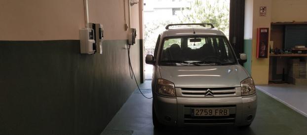 Al cicle d'Electricitat hem creat dos punts de recàrrega del vehicle elèctric